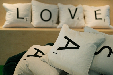 scrabble-pillows2