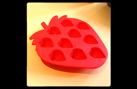 strawberry-icecube-tray